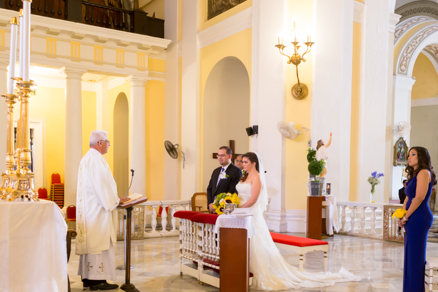 Alfredo Valentine Couture Bridal Photography Fort Lauderdale Wedding Photographer photographing wedding ceremony in San Juan Cathedral in Old San Juan Puerto Rico